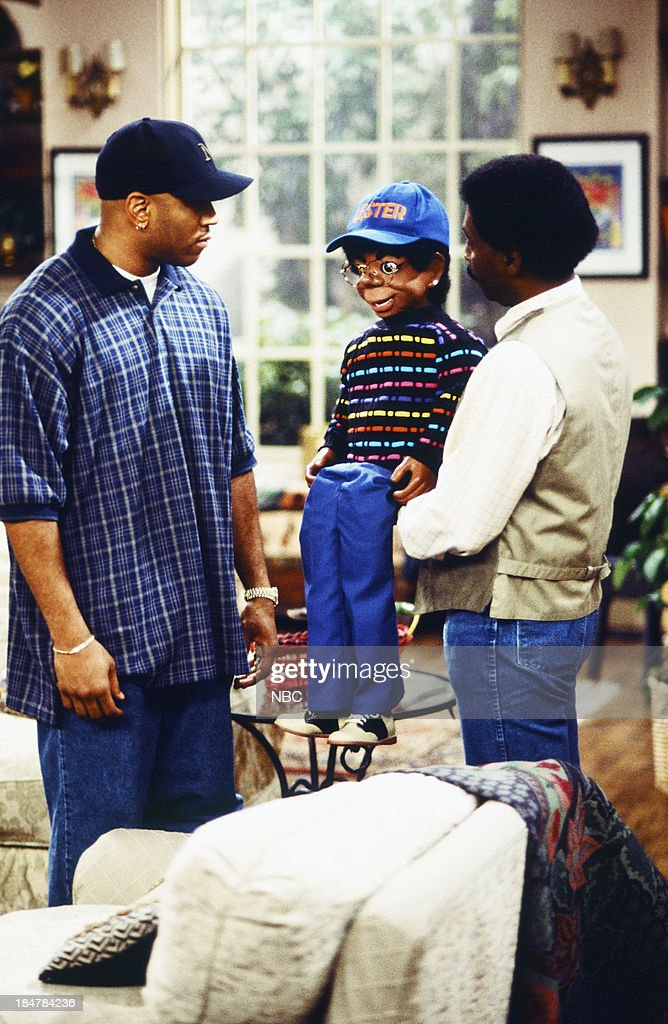 HOUSE -- Episode 18 -- 'Home Again' -- Pictured: (left) L.L. Cool J as Marion HIll, Willie Tyler as himself (with Lester) --