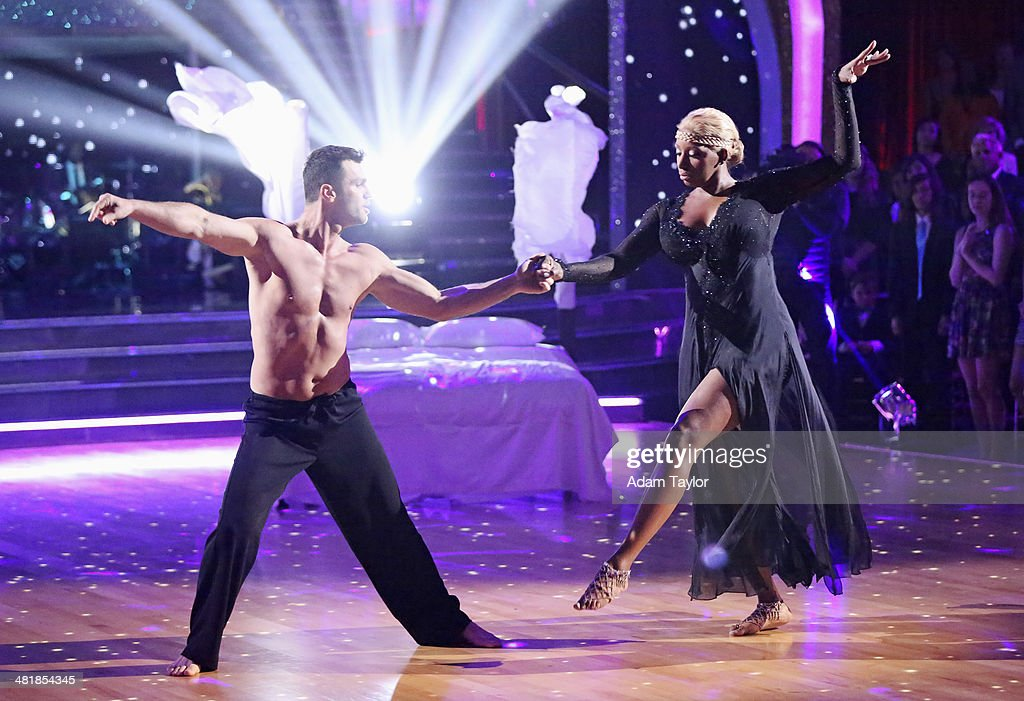 STARS - 'Episode 1803' - 'Good Morning America' anchor Robin Roberts was a guest judge for the first time alongside Len Goodman, Bruno Tonioli and Carrie Ann Inaba on 'Dancing with the Stars,' MONDAY, MARCH 31 (8:00-10:01 p.m., ET). The remaining 10 celebrities commemorated 'The Most Memorable Year Of Their Life.' Each couple danced to a song of the celebrities choosing that encompassed a memorable time or experience in their life. TONY
