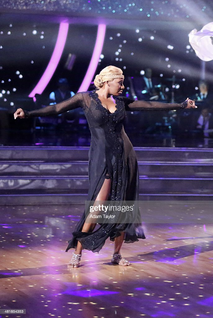STARS - 'Episode 1803' - 'Good Morning America' anchor Robin Roberts was a guest judge for the first time alongside Len Goodman, Bruno Tonioli and Carrie Ann Inaba on 'Dancing with the Stars,' MONDAY, MARCH 31 (8:00-10:01 p.m., ET). The remaining 10 celebrities commemorated 'The Most Memorable Year Of Their Life.' Each couple danced to a song of the celebrities choosing that encompassed a memorable time or experience in their life. NENE