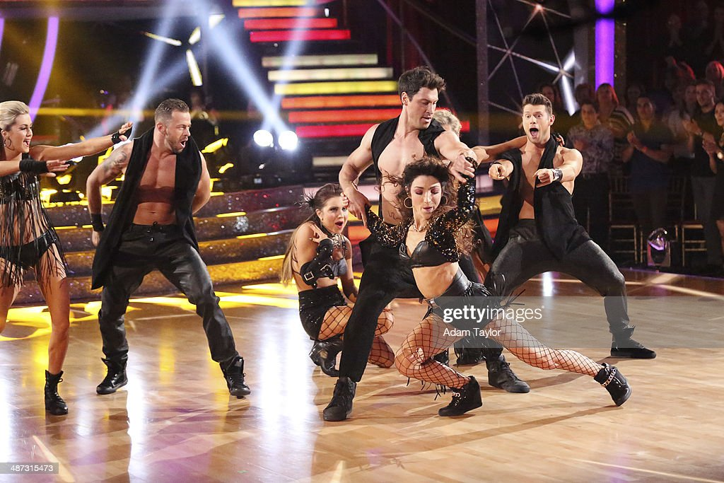 STARS - 'Episode 1807' - Grammy(r) winner Ricky Martin joined 'Dancing with the Stars' for 'Latin Night' MONDAY, APRIL 28 (8:00-10:01 p.m., ET) on the ABC Television Network. He joined Len Goodman, Bruno Tonioli and Carrie Ann Inaba as a guest judge for the evening. Each couple performed an individual dance to a song with a Latin theme. (Photo by Adam Taylor/ABC via Getty Images) LINDSAY ARNOLD, ARTEM CHIGVINTSEV, JENNA JOHNSON, MAKSIM CHMERKOVSKIY, MERYL DAVIS, HENRY BYALIKOV