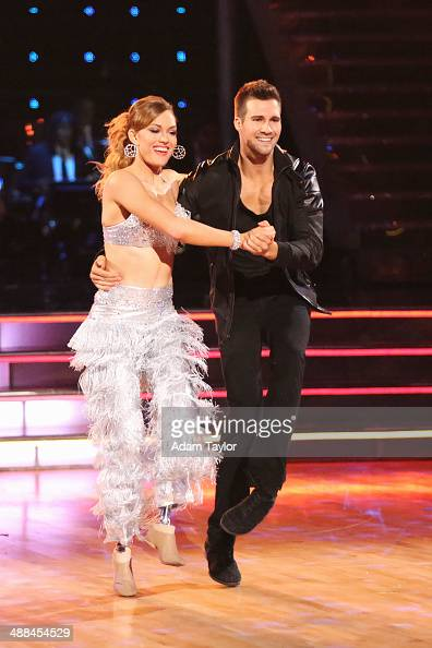 STARS 'Episode 1808' In the Duel Round two couples were paired up to perform a style of dance that they've both previously performed All four members...