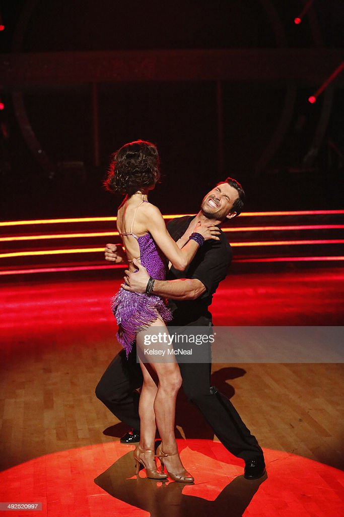 STARS - 'Episode 1810A' - At the end of the night, Meryl Davis and Maksim Chmerkovskiy were crowned the Season 18 Champions, on the Season Finale, TUESDAY, MAY 20 (9:00-11:00 p.m., ET) on the ABC Television Network. (Photo by Kelsey McNeal/ABC via Getty Images) MERYL