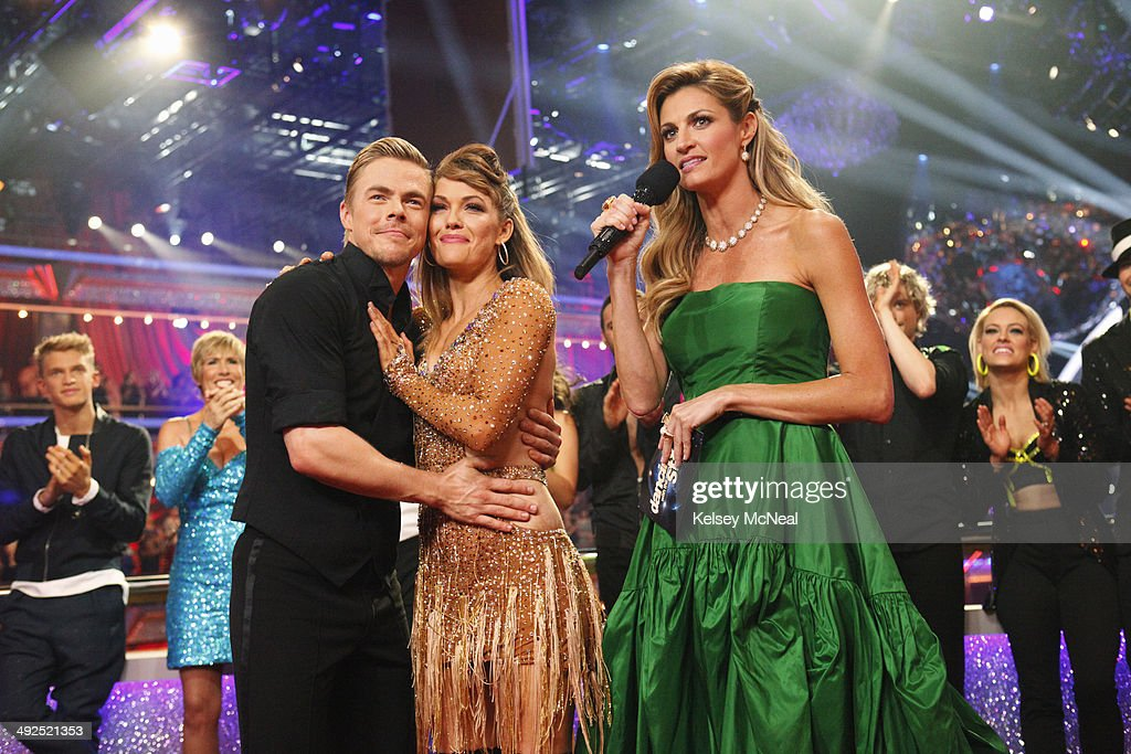 STARS - 'Episode 1810A' - In the two-hour Season Finale on TUESDAY, MAY 20 (9:00-11:00 p.m., ET) the show began with a high-energy performance featuring a reunion of all 12 of this season's couples as well as the judges. MURGATROYD