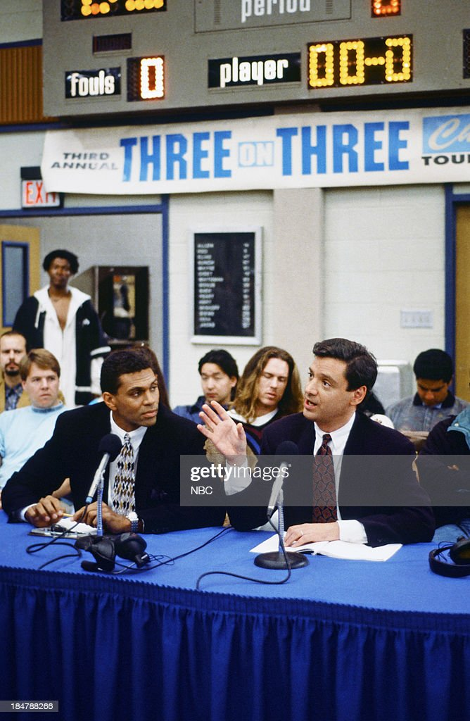 HOUSE -- Episode 20 -- 'Hoop Screams' -- Pictured: (l-r) <a gi-track='captionPersonalityLinkClicked' href=/galleries/search?phrase=Reggie+Theus&family=editorial&specificpeople=821726 ng-click='$event.stopPropagation()'>Reggie Theus</a> and Fred Roggin as themselves --