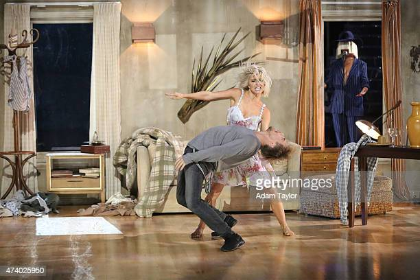 STARS 'Episode 2010A' Sia performed her hit song 'Elastic Heart' with a special dance performance by Derek and Julianne Hough on the twohour Season...
