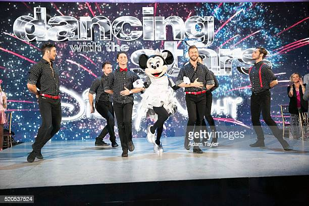 STARS 'Episode 2204' The 10 remaining celebrities will transform into some of the most magical Disney characters and celebrate the magnificence of...
