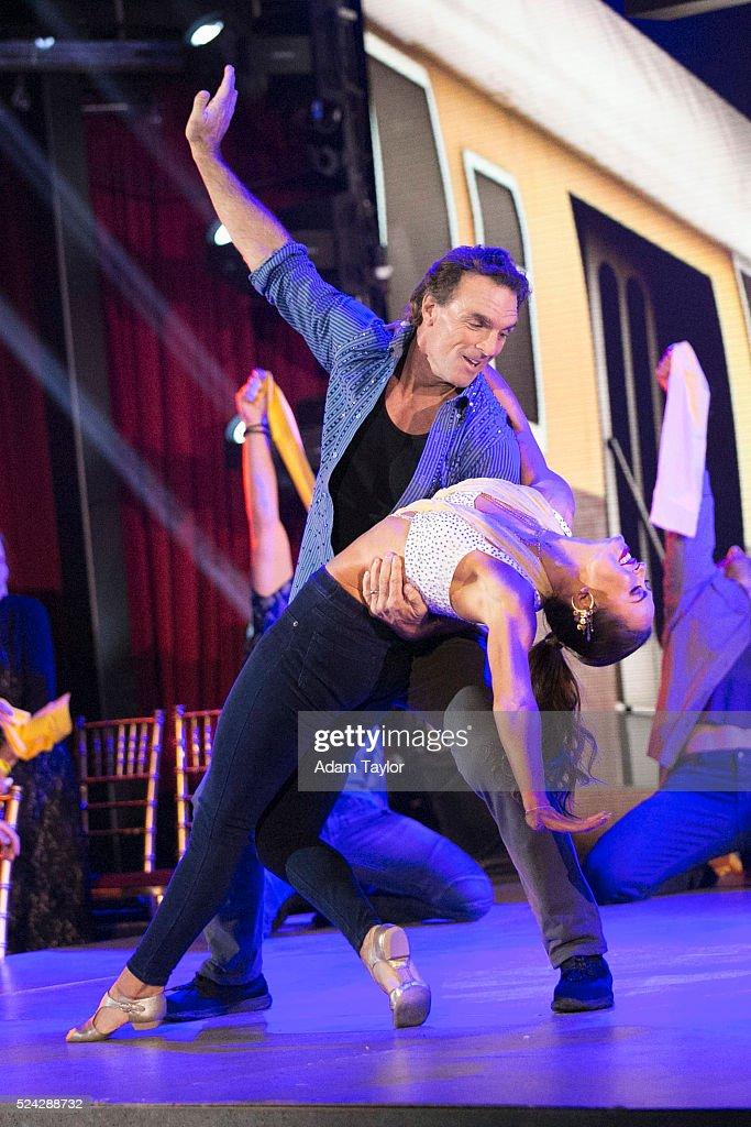 "ABC's ""Dancing With the Stars"": Season 22 - Week Six"
