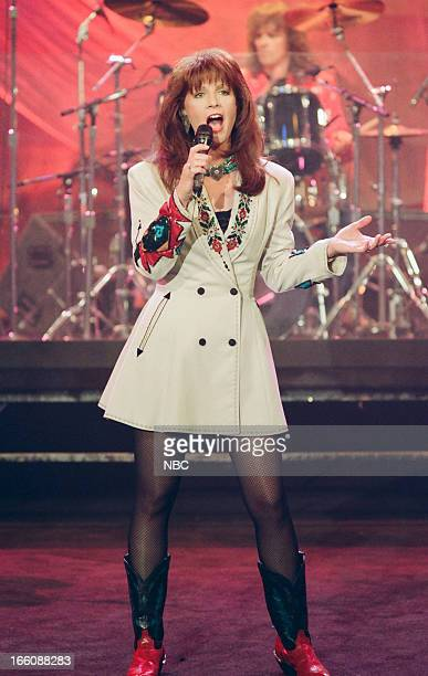 Musical guest Patty Loveless performs on May 26 1993