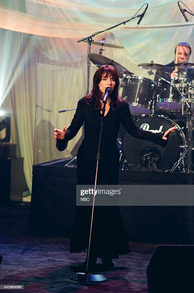 Musical guest <a gi-track='captionPersonalityLinkClicked' href=/galleries/search?phrase=Katey+Sagal&family=editorial&specificpeople=221480 ng-click='$event.stopPropagation()'>Katey Sagal</a> performs on October 26, 1993 --