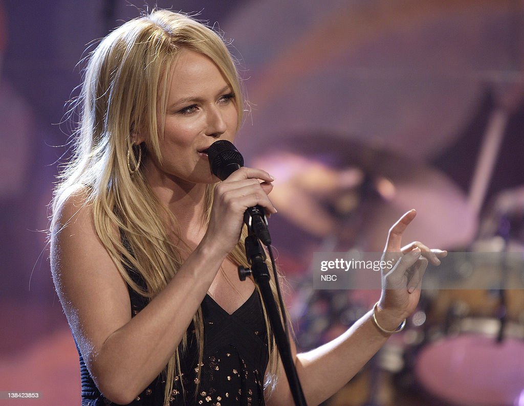 Singer Jewel performs on January 9 2007