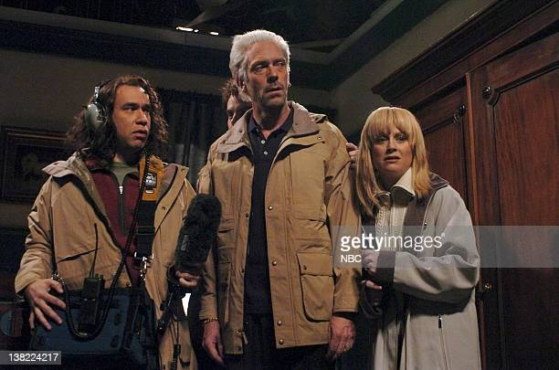LIVE Episode 4 Aired Pictured Fred Armisen as Jon Gilbert Hugh Laurie as Derek Acorah Amy Poehler as Yvette Fielding during 'Most Haunted' skit on...