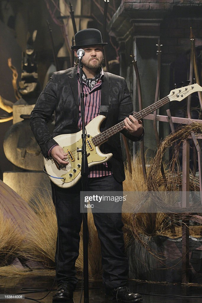 Musical guest Mike Retondo of Plain White T's performs on October 9, 2012 --
