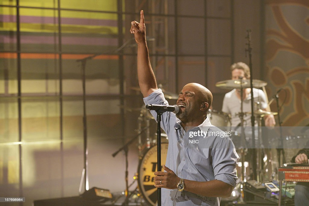 Musical guest <a gi-track='captionPersonalityLinkClicked' href=/galleries/search?phrase=Darius+Rucker&family=editorial&specificpeople=215161 ng-click='$event.stopPropagation()'>Darius Rucker</a> performs on December 5, 2012 --