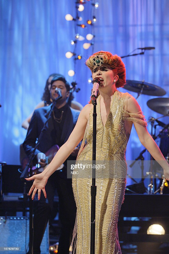 Musical guest <a gi-track='captionPersonalityLinkClicked' href=/galleries/search?phrase=Paloma+Faith&family=editorial&specificpeople=4214118 ng-click='$event.stopPropagation()'>Paloma Faith</a> performs on December 6, 2012 --