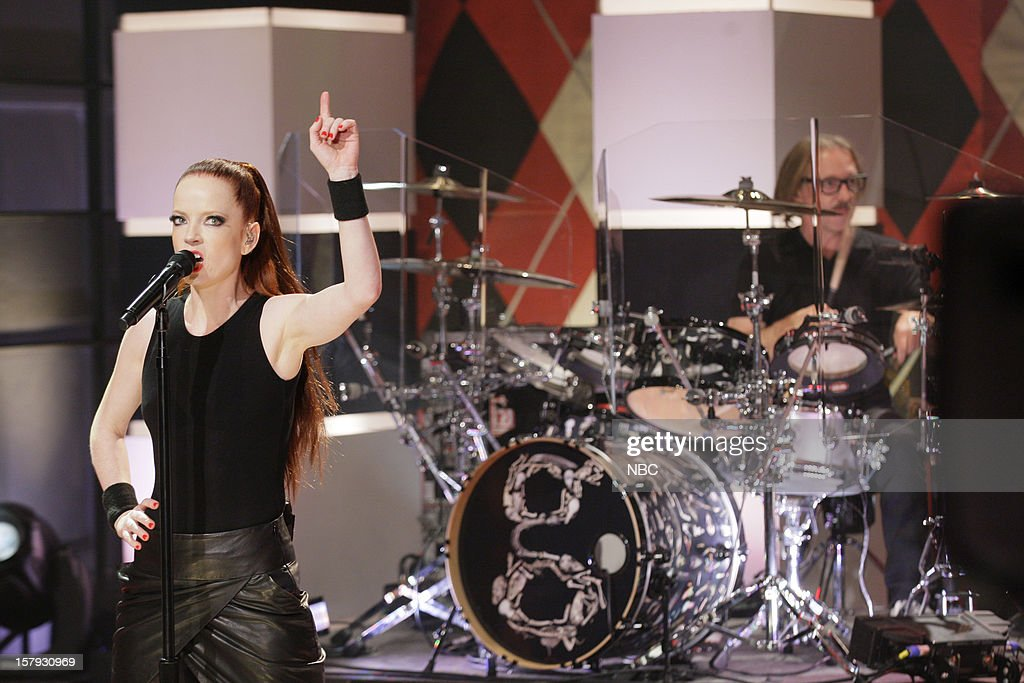 Musical guest <a gi-track='captionPersonalityLinkClicked' href=/galleries/search?phrase=Shirley+Manson&family=editorial&specificpeople=202058 ng-click='$event.stopPropagation()'>Shirley Manson</a> of Garbage performs on December 7, 2012 --