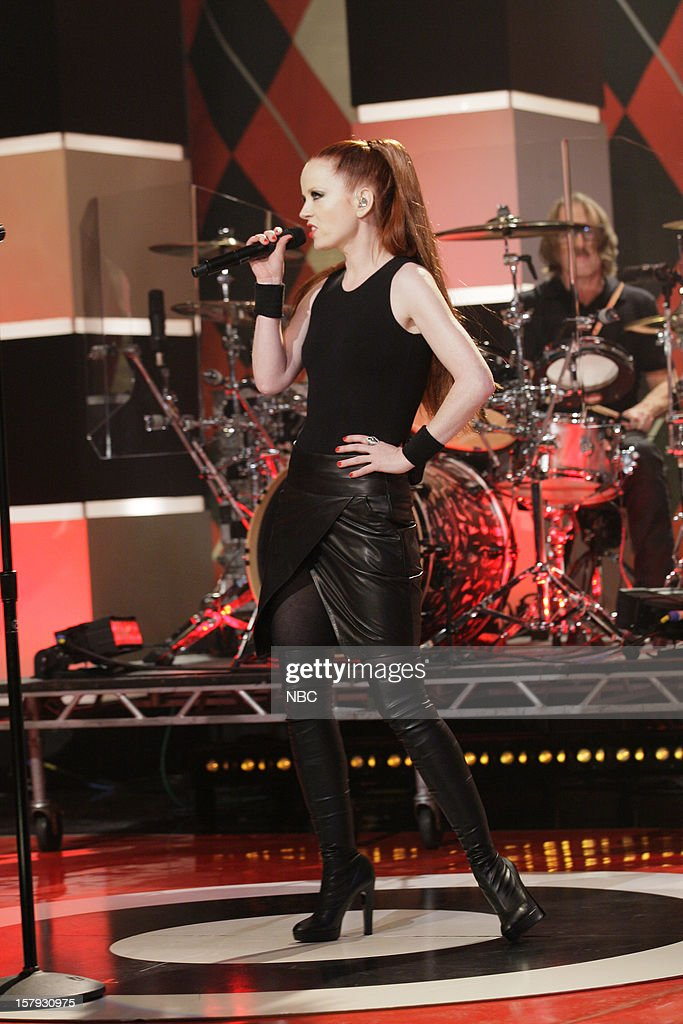 Musical guest Shirley Manson of Garbage performs on December 7, 2012 --