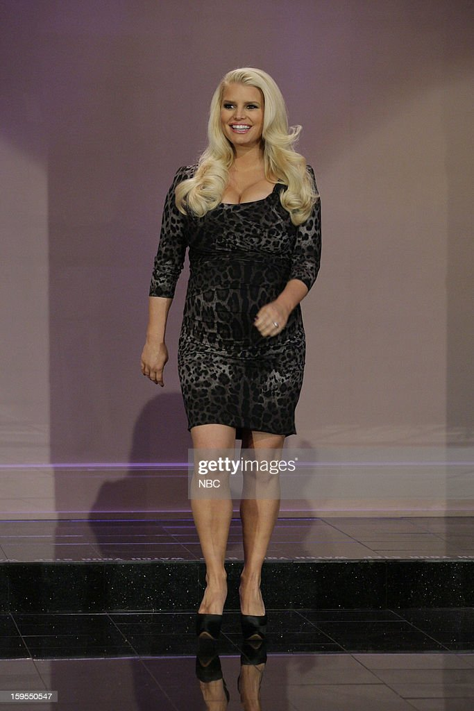 Actress <a gi-track='captionPersonalityLinkClicked' href=/galleries/search?phrase=Jessica+Simpson+-+Marca+de+moda&family=editorial&specificpeople=171513 ng-click='$event.stopPropagation()'>Jessica Simpson</a> arrives on January 15, 2013 --