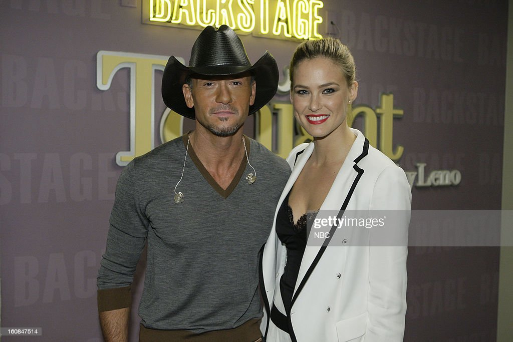 LENO -- (EXCLUSIVE COVERAGE) -- Episode 4403 -- Pictured: (l-r) Country singer Tim McGraw and supermodel Bar Refaeli on February 6, 2013 --