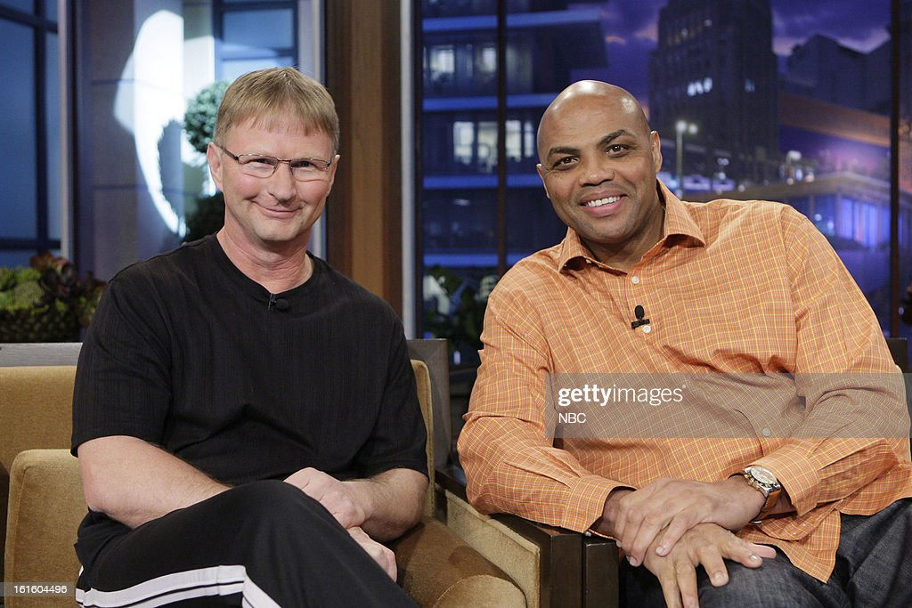 LENO -- (EXCLUSIVE COVERAGE) -- Episode 4407 -- Pictured: (l-r) The World's Fastest Free Throw Shooter Bob Fisher and former basketball player <a gi-track='captionPersonalityLinkClicked' href=/galleries/search?phrase=Charles+Barkley&family=editorial&specificpeople=202484 ng-click='$event.stopPropagation()'>Charles Barkley</a> on February 12, 2013 --