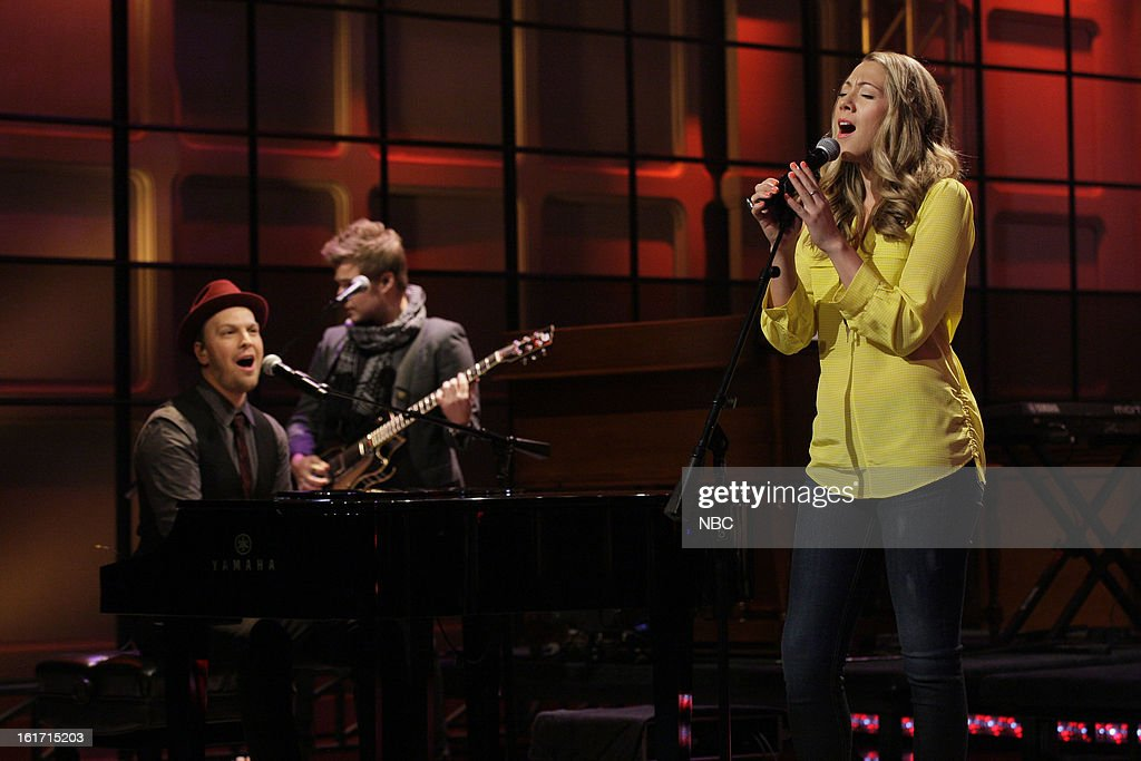 Musical guest <a gi-track='captionPersonalityLinkClicked' href=/galleries/search?phrase=Gavin+DeGraw&family=editorial&specificpeople=203282 ng-click='$event.stopPropagation()'>Gavin DeGraw</a> and <a gi-track='captionPersonalityLinkClicked' href=/galleries/search?phrase=Colbie+Caillat&family=editorial&specificpeople=4410812 ng-click='$event.stopPropagation()'>Colbie Caillat</a> perform on February 14, 2013 --