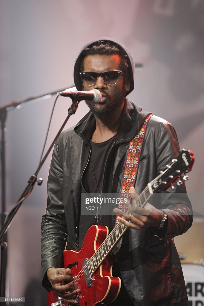 Musical guest <a gi-track='captionPersonalityLinkClicked' href=/galleries/search?phrase=Gary+Clark+Jr.&family=editorial&specificpeople=4495733 ng-click='$event.stopPropagation()'>Gary Clark Jr.</a> performs on March 20, 2013 --