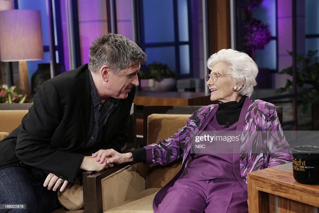 LENO -- (EXCLUSIVE COVERAGE) Episode 4457 -- Pictured: (l-r) Talk Show host <a gi-track='captionPersonalityLinkClicked' href=/galleries/search?phrase=Craig+Ferguson+-+Pr%C3%A9sentateur+de+talk+show&family=editorial&specificpeople=204509 ng-click='$event.stopPropagation()'>Craig Ferguson</a> talks with 100-Year-Old Actress Connie Sawyer during a commercial break on May 8, 2013 --