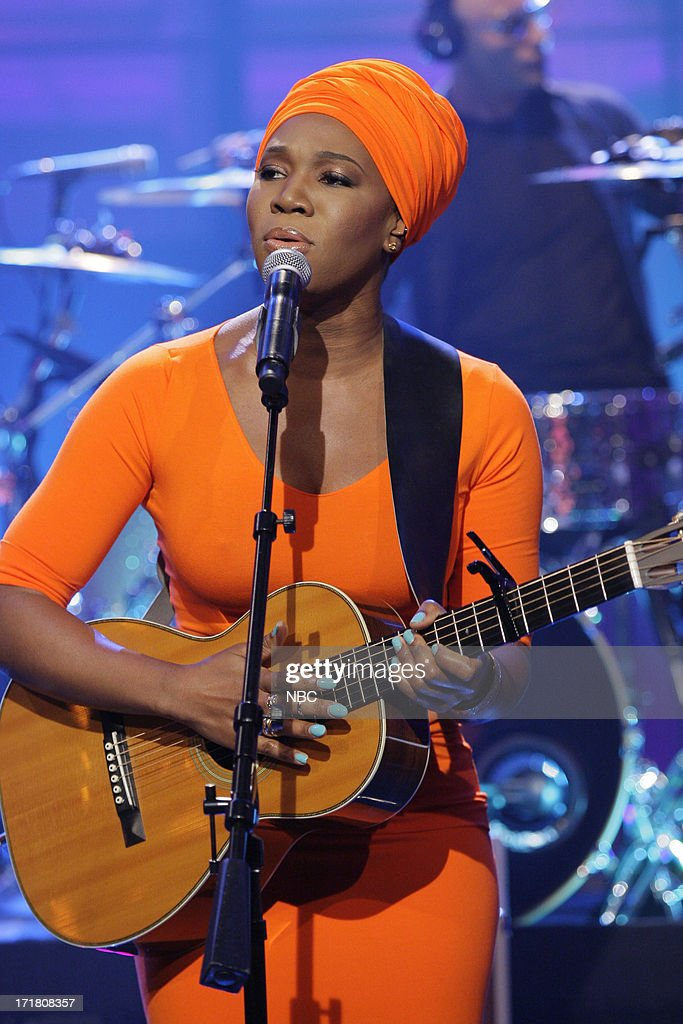 Musical guest <a gi-track='captionPersonalityLinkClicked' href=/galleries/search?phrase=India.Arie&family=editorial&specificpeople=206509 ng-click='$event.stopPropagation()'>India.Arie</a> on June 28, 2013 --