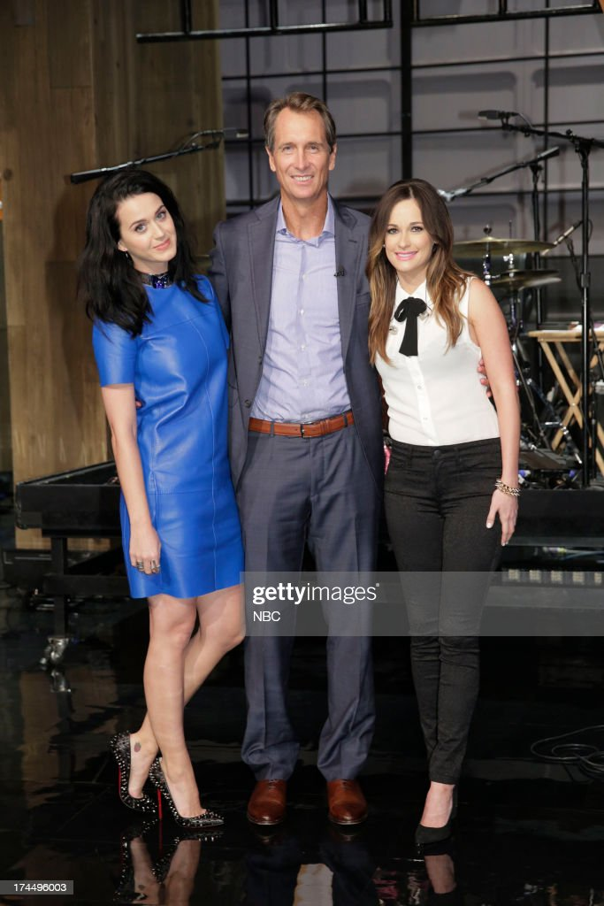 LENO -- (EXCLUSIVE COVERAGE) -- Episode 4504 -- Pictured: (l-r) Singer <a gi-track='captionPersonalityLinkClicked' href=/galleries/search?phrase=Katy+Perry&family=editorial&specificpeople=599558 ng-click='$event.stopPropagation()'>Katy Perry</a>, sportscaster <a gi-track='captionPersonalityLinkClicked' href=/galleries/search?phrase=Cris+Collinsworth&family=editorial&specificpeople=745575 ng-click='$event.stopPropagation()'>Cris Collinsworth</a> and musical guest Kacey MUsgraves on July 26, 2013 --
