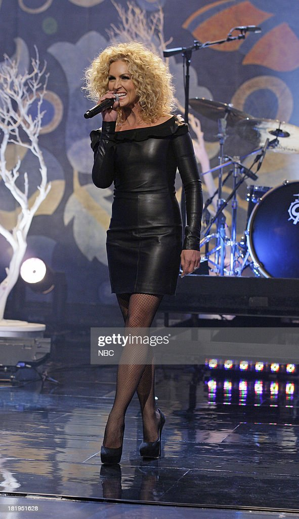 Musical guest Kimberly Schlapman of Little Big Town performs on September 26, 2013 --