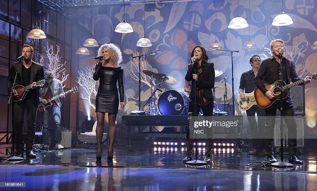 Musical guests Jimi Westbrook, Kimberly Schlapman, Karen Fairchild, Phillip Sweet of Little Big Town perform on September 26, 2013 --