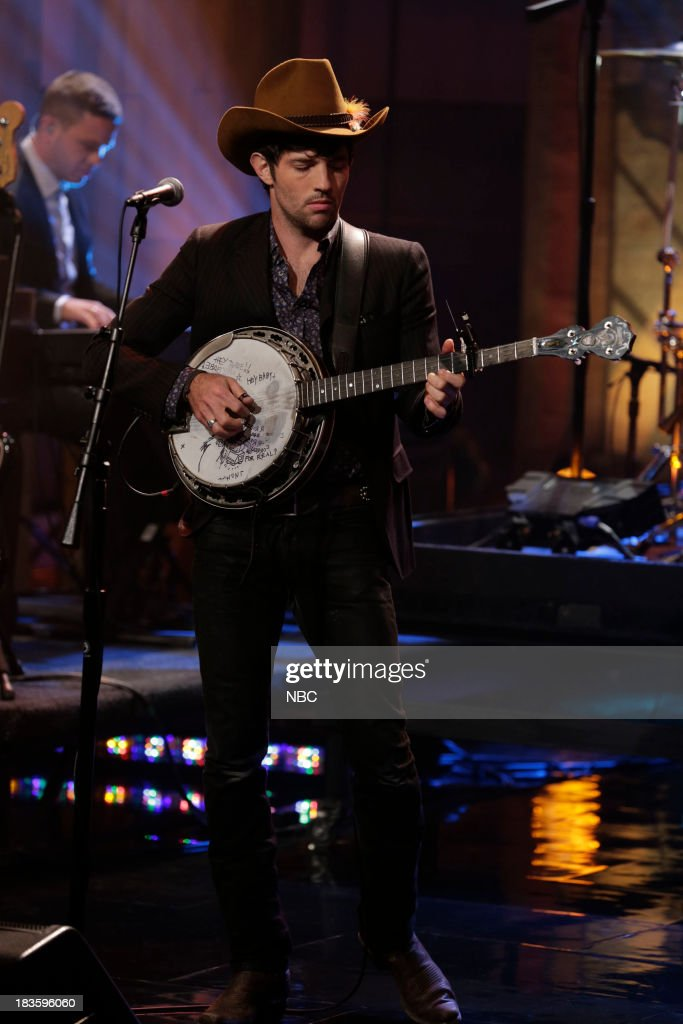 <a gi-track='captionPersonalityLinkClicked' href=/galleries/search?phrase=Scott+Avett&family=editorial&specificpeople=4271008 ng-click='$event.stopPropagation()'>Scott Avett</a> of musical guest The Avett Brothers performs on October 7, 2013 --