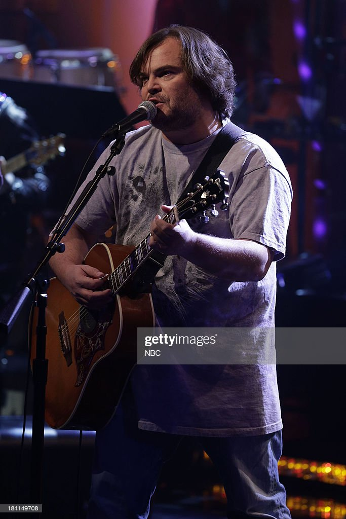 <a gi-track='captionPersonalityLinkClicked' href=/galleries/search?phrase=Jack+Black&family=editorial&specificpeople=171453 ng-click='$event.stopPropagation()'>Jack Black</a> of Tenacious D performs on October 11, 2013 --