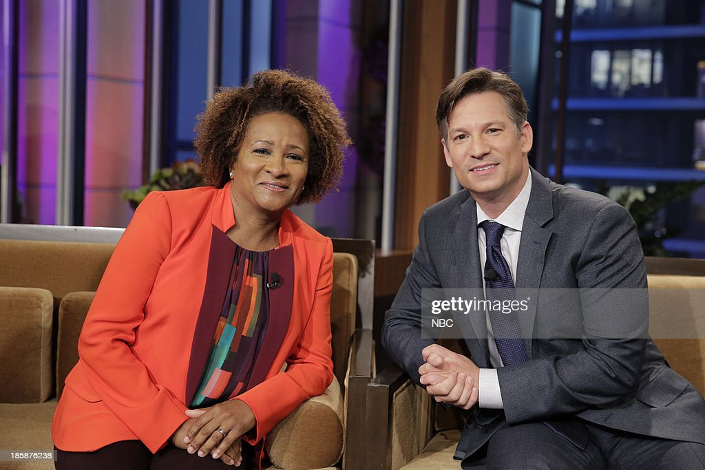 LENO -- Episode 4553 -- (EXCLUSIVE COVERAGE) -- Pictured: (l-r) Comedian <a gi-track='captionPersonalityLinkClicked' href=/galleries/search?phrase=Wanda+Sykes&family=editorial&specificpeople=208075 ng-click='$event.stopPropagation()'>Wanda Sykes</a>, journalist <a gi-track='captionPersonalityLinkClicked' href=/galleries/search?phrase=Richard+Engel&family=editorial&specificpeople=4159098 ng-click='$event.stopPropagation()'>Richard Engel</a> during a commerical break on October 25, 2013 --