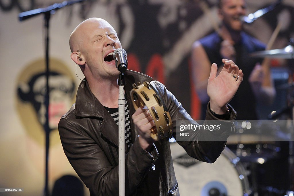 <a gi-track='captionPersonalityLinkClicked' href=/galleries/search?phrase=Isaac+Slade&family=editorial&specificpeople=537604 ng-click='$event.stopPropagation()'>Isaac Slade</a> of musical guest The Fray performs on October 31, 2013 --