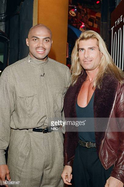 Basketball player Charles Barkley and Fabio Lanzoni backstage on January 13 1995