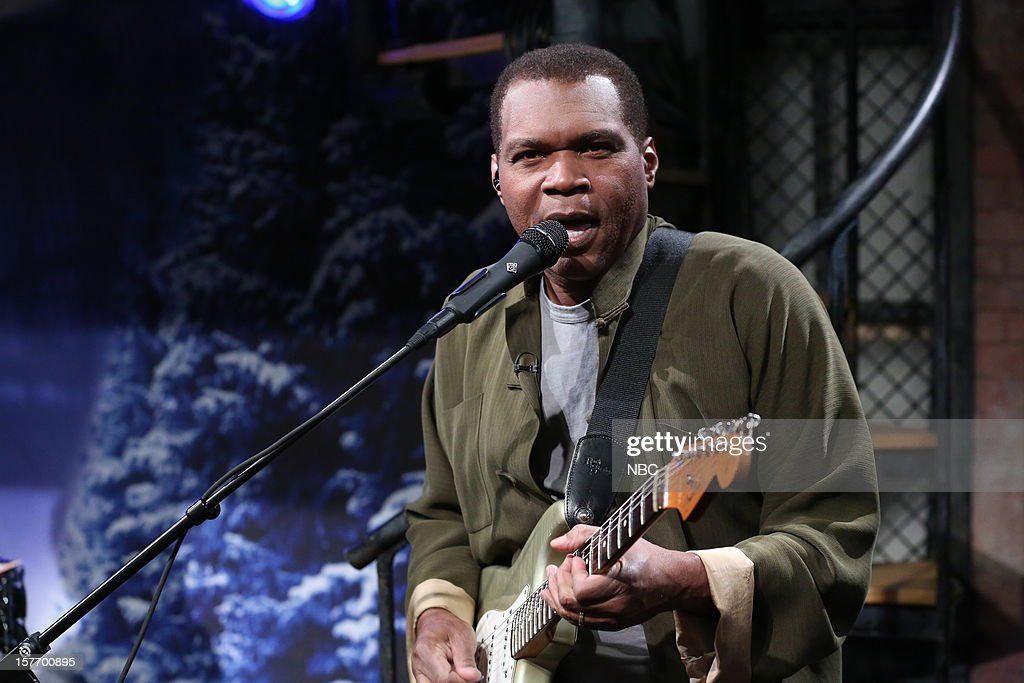 Musical guest <a gi-track='captionPersonalityLinkClicked' href=/galleries/search?phrase=Robert+Cray&family=editorial&specificpeople=226956 ng-click='$event.stopPropagation()'>Robert Cray</a> performs on December 5, 2012 --