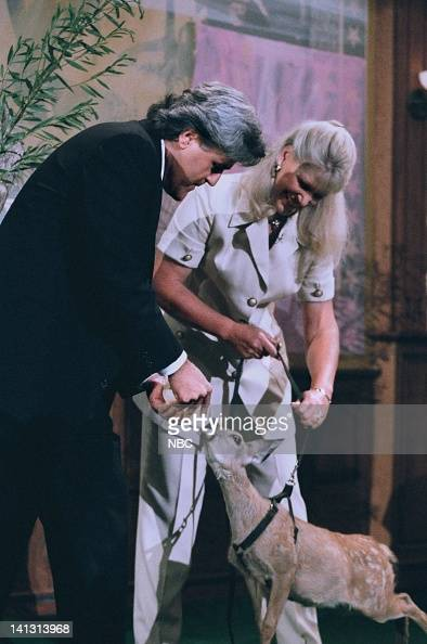 LENO Episode 745 Air Date Pictured Host Jay Leno with zoologist Joan Embery during an interview on August 7 1995 Photo by NBCU Photo Bank