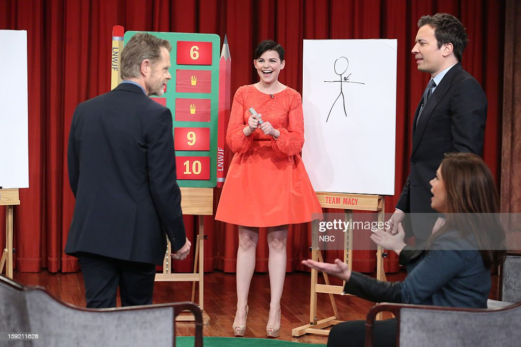 William H. Macy, Ginnifer Goodwin, Rachael Ray, and host Jimmy Fallon during a skit on January 9, 2013 --