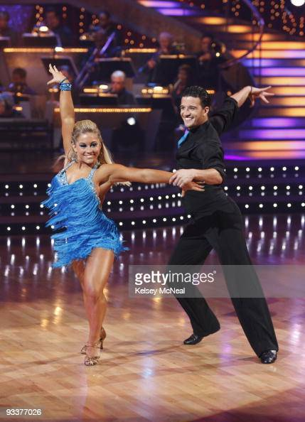 STARS 'Episode 808' Each of the remaining couples danced an individual routine in addition to a team group routine where they were split into two...