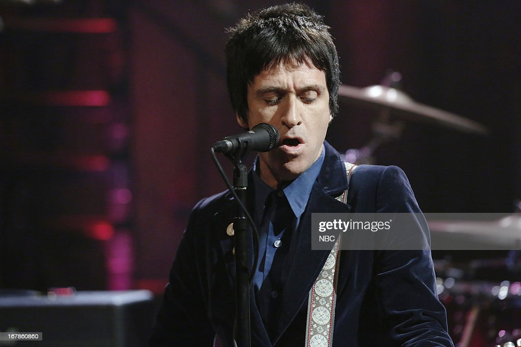 Musical guest <a gi-track='captionPersonalityLinkClicked' href=/galleries/search?phrase=Johnny+Marr&family=editorial&specificpeople=3947211 ng-click='$event.stopPropagation()'>Johnny Marr</a> performs on May 1, 2013 --