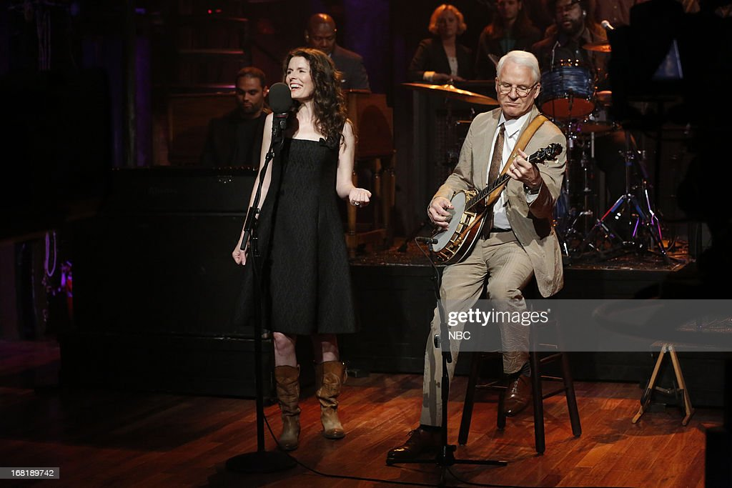 Musical guests <a gi-track='captionPersonalityLinkClicked' href=/galleries/search?phrase=Steve+Martin+-+Comedian&family=editorial&specificpeople=196544 ng-click='$event.stopPropagation()'>Steve Martin</a> and <a gi-track='captionPersonalityLinkClicked' href=/galleries/search?phrase=Edie+Brickell&family=editorial&specificpeople=789872 ng-click='$event.stopPropagation()'>Edie Brickell</a> perform on May 6, 2013 --