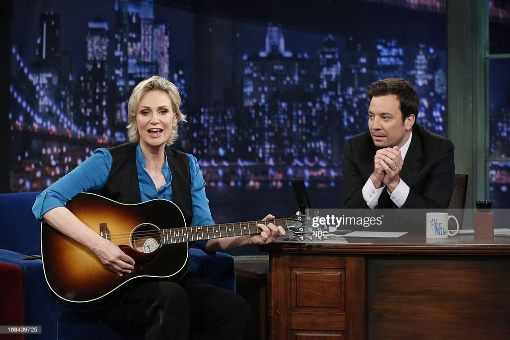 Actress <a gi-track='captionPersonalityLinkClicked' href=/galleries/search?phrase=Jane+Lynch&family=editorial&specificpeople=663918 ng-click='$event.stopPropagation()'>Jane Lynch</a> with host Jimmy Fallon during an interview on May 9, 2013 --