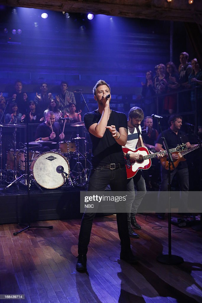 Charles Kelley of musical guest Lady Antebellum performs on May 9, 2013 --