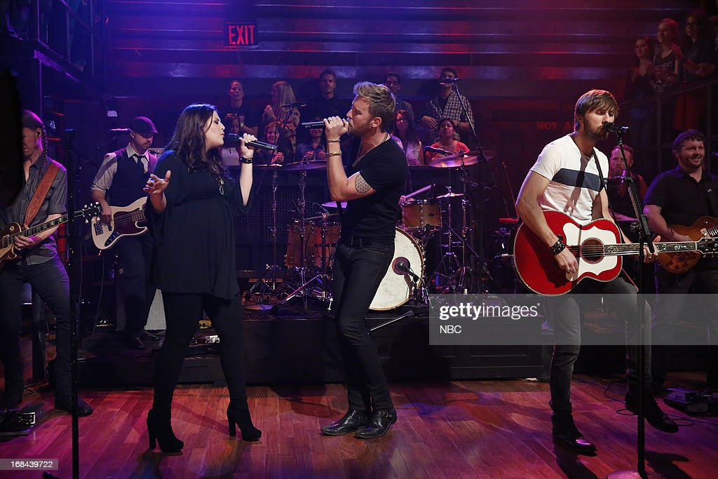 Hillary Scott, <a gi-track='captionPersonalityLinkClicked' href=/galleries/search?phrase=Charles+Kelley&family=editorial&specificpeople=3935435 ng-click='$event.stopPropagation()'>Charles Kelley</a>, <a gi-track='captionPersonalityLinkClicked' href=/galleries/search?phrase=Dave+Haywood&family=editorial&specificpeople=4620526 ng-click='$event.stopPropagation()'>Dave Haywood</a> of musical guest Lady Antebellum performs on May 9, 2013 --