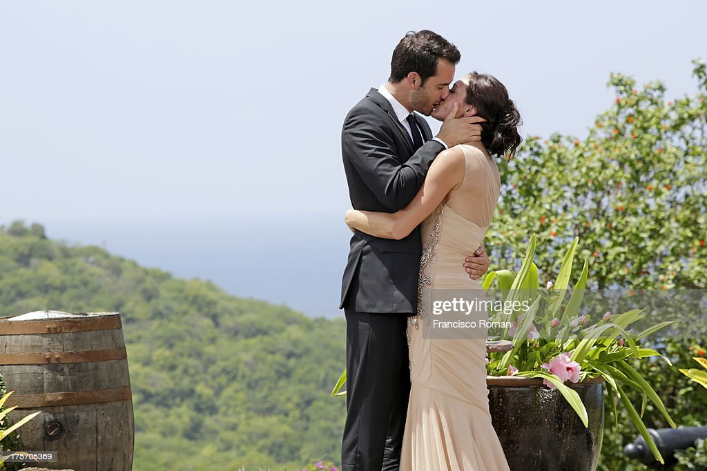 THE BACHELORETTE - 'Episode 910 --Season Finale, Part 2' - In the dramatic Part 2 of the Season Finale, Desiree Hartsock gave Chris Siegfried her final rose on 'The Bachelorette,' airing MONDAY, AUGUST 5 (8:00-10:01 p.m., ET), on the ABC Television Network. Photos by Francisco Roman / ABC Via Getty Images HARTSOCK