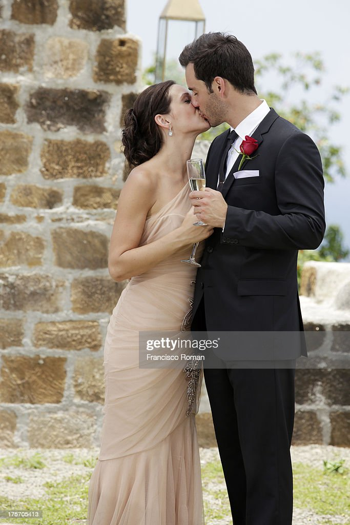 THE BACHELORETTE - 'Episode 910 --Season Finale, Part 2' - In the dramatic Part 2 of the Season Finale, Desiree Hartsock gave Chris Siegfried her final rose on 'The Bachelorette,' airing MONDAY, AUGUST 5 (8:00-10:01 p.m., ET), on the ABC Television Network. Photos by Francisco Roman / ABC Via Getty Images HARTSOCK, CHRIS