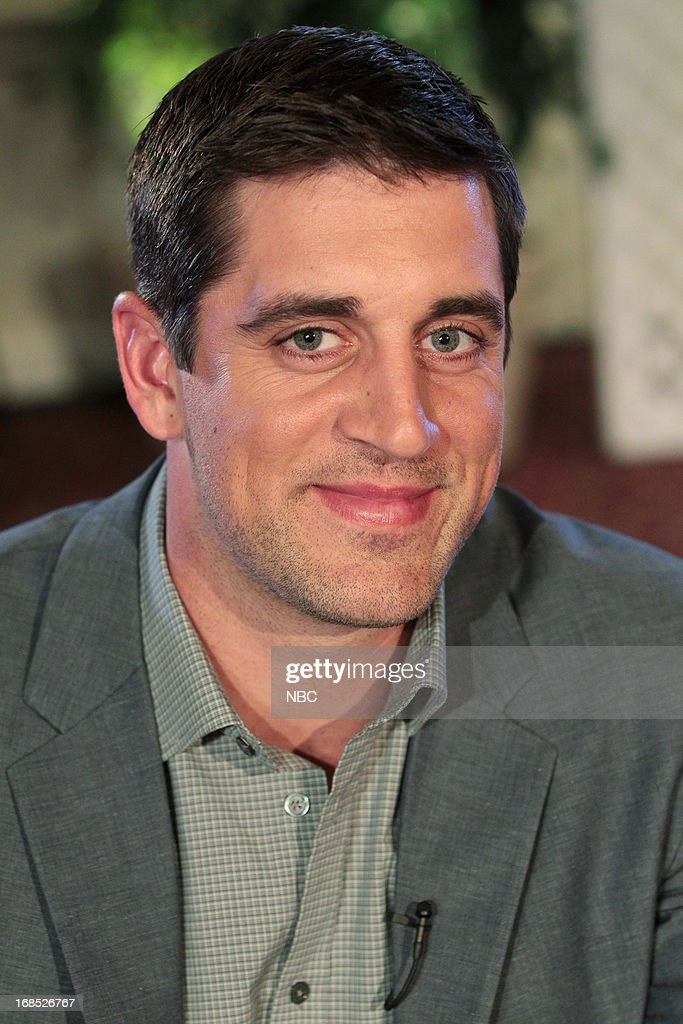 THE OFFICE -- 'A.A.R.M.' Episode 922 -- Pictured: Aaron Rodgers as himself --