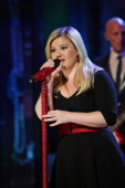 Music guest Kelly Clarkson performs 'Don't Rush' on Tuesday November 26 2013