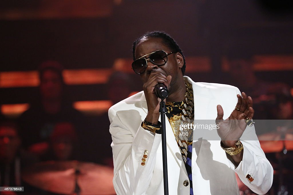 Musical guest <a gi-track='captionPersonalityLinkClicked' href=/galleries/search?phrase=2+Chainz&family=editorial&specificpeople=8559144 ng-click='$event.stopPropagation()'>2 Chainz</a> performs with The Roots on Thursday, February 6, 2014 --