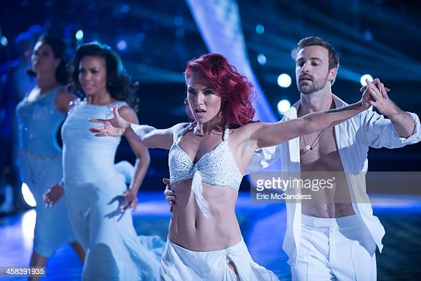 STARS 'Episodes 2311' After weeks of stunning competitive dancing the final four couples advance to the finals of 'Dancing with the Stars' live...